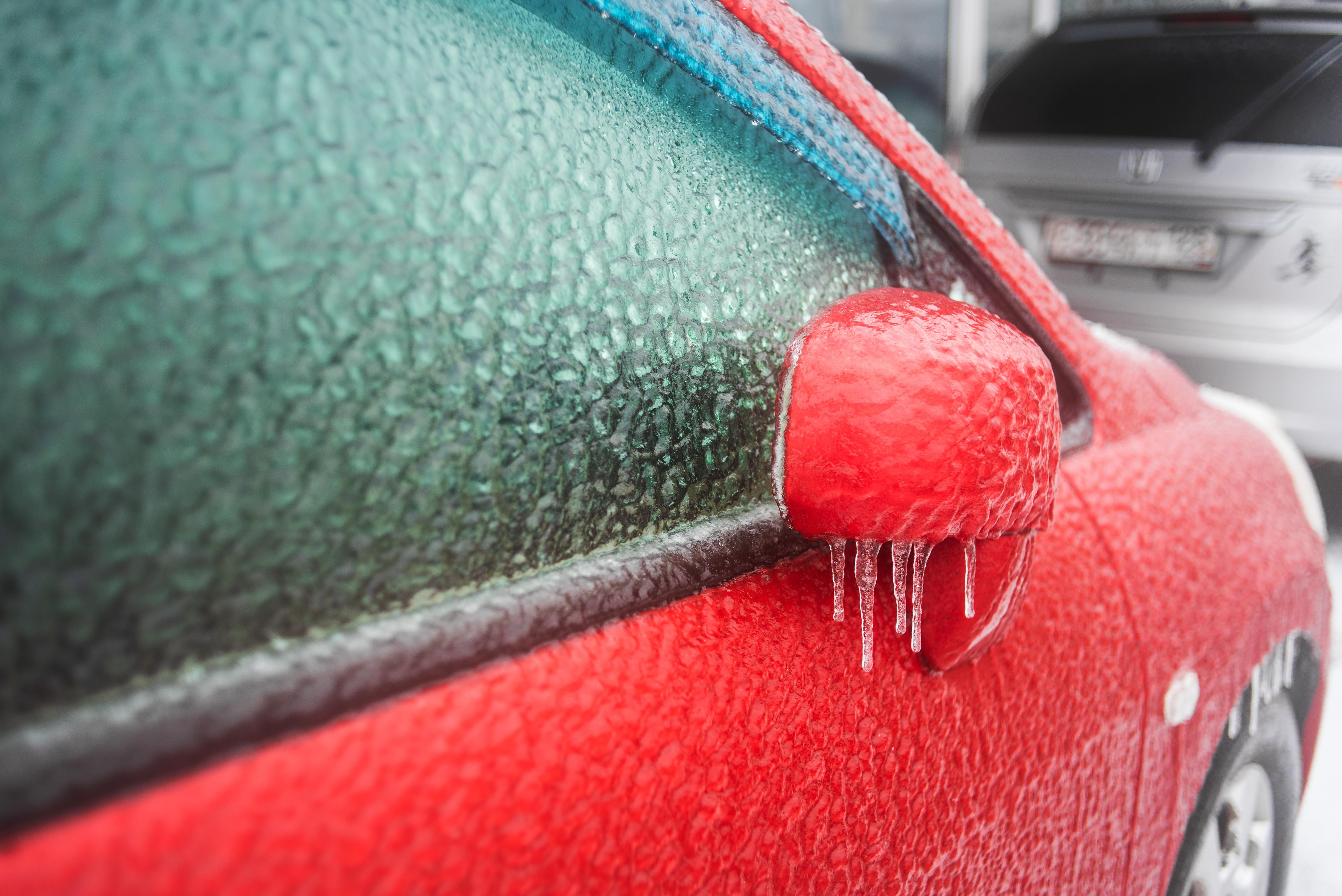 Automobiliui ir kiemui - nuo sniego ir ledo